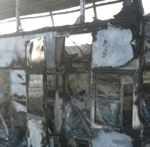 Автобус, сгоревший в Актюбинской области в Казахстане