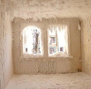 Дворец Снежной королевы: что сделал мороз со зданием в Екатеринбурге