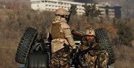 Представители афганских сил безопасности на месте террористической атаки в Кабуле