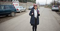 Участница проекта Ты супер! Нана Вардзелашвили у своей школы