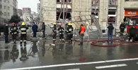 Как спасатели работали на месте взрыва газа у станции метро в Баку