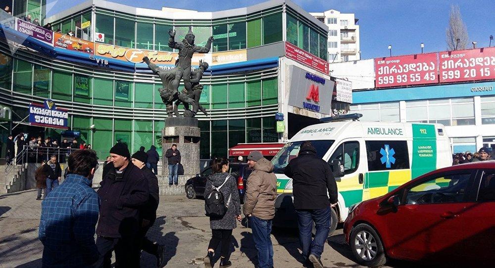 ВТбилиси настанции метро обвалился потолок