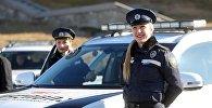 Церемония передачи гибридных и электромобилей полиции Грузии