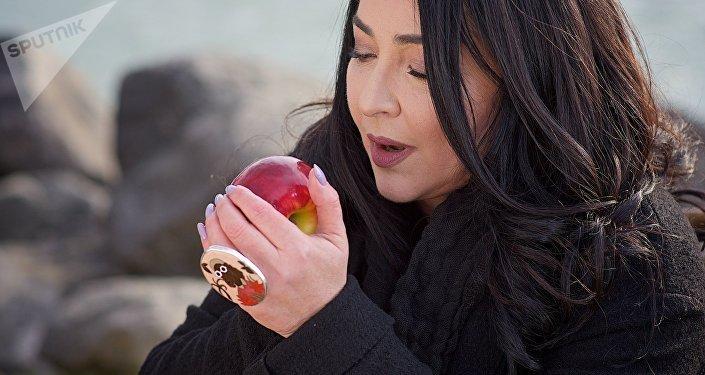 Лолита Милявская во время съемок клипа на песню Судьба