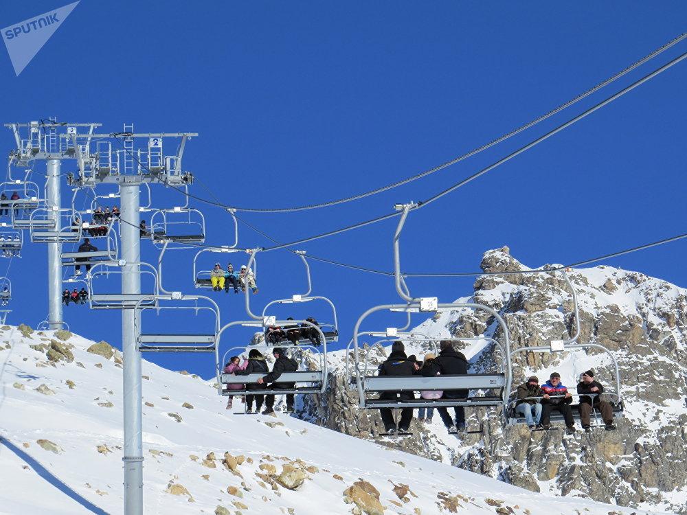 Подъемник на горнолыжном курорте в Сванетии