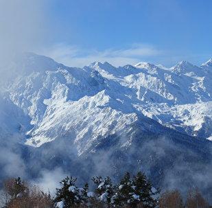 Зимний пейзаж высокогорной Сванети