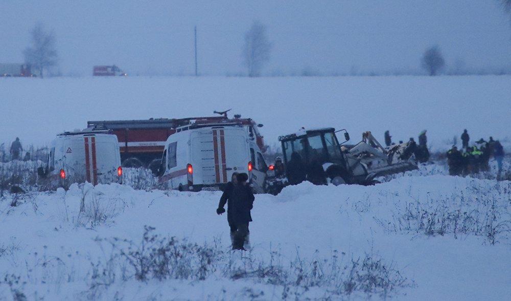 В ходе поисково-спасательной операции на месте крушения спасатели не обнаружили выживших, были найдены только куски обшивки и части самолета, и тела погибших