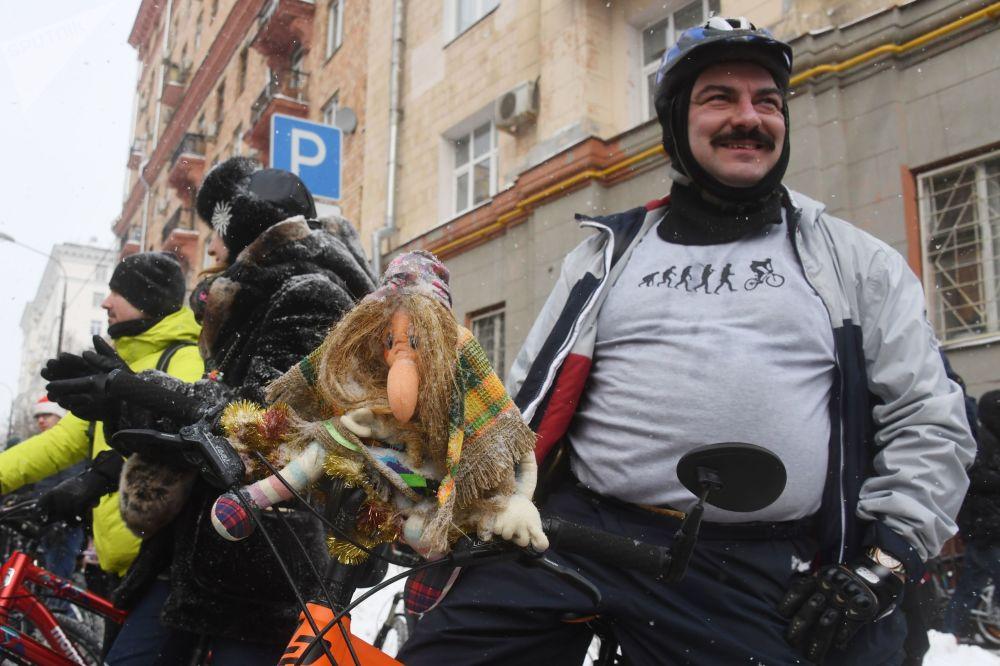 Велопарад прошел по маршруту от 3-й Фрунзенской улицы до парка Зарядье и обратно