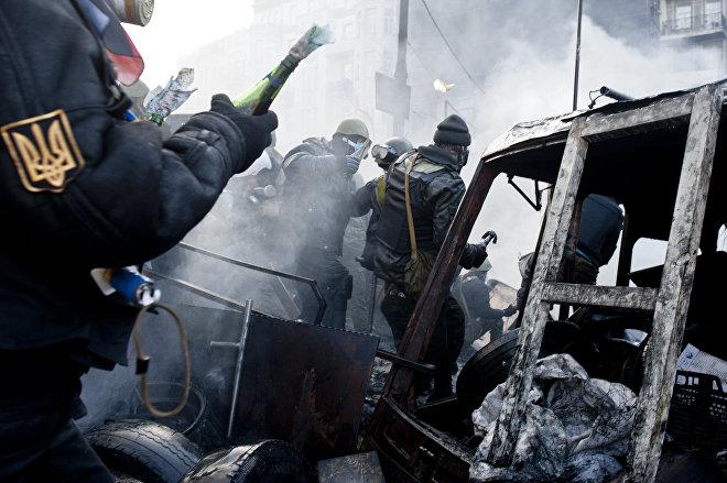События на Майдане Незалежности в центре Киева, архивное фото