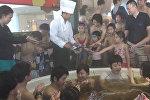 На День Святого Валентина в Японии устроили купание в шоколаде