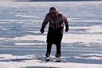 Как бабушка катается на коньках