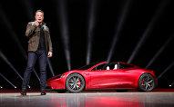 Основатель и директор TESLA Илон Маск на презентации в Калифорнии