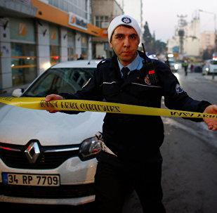 Офицер турецкой полиции