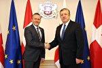 Министр иностранных дел Датского королевства Андерс Самуэльсенс и премьер-министр Грузии Георгий Квирикашвили
