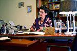 Нино Бурджанадзе в своем рабочем кабинете