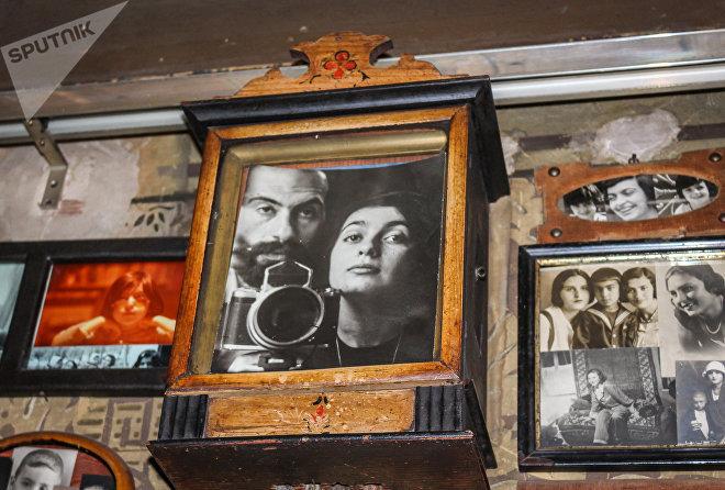 Фотография художника и коллекционера Вигена Вартанова и его жены Гаянэ