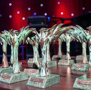 Статуэтки феникса награждение Caucasus Music Awards Phoenix