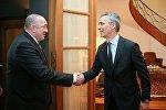 Президент Грузии Георгий Маргвелашвили и генсек НАТО Йенс Столтенберг