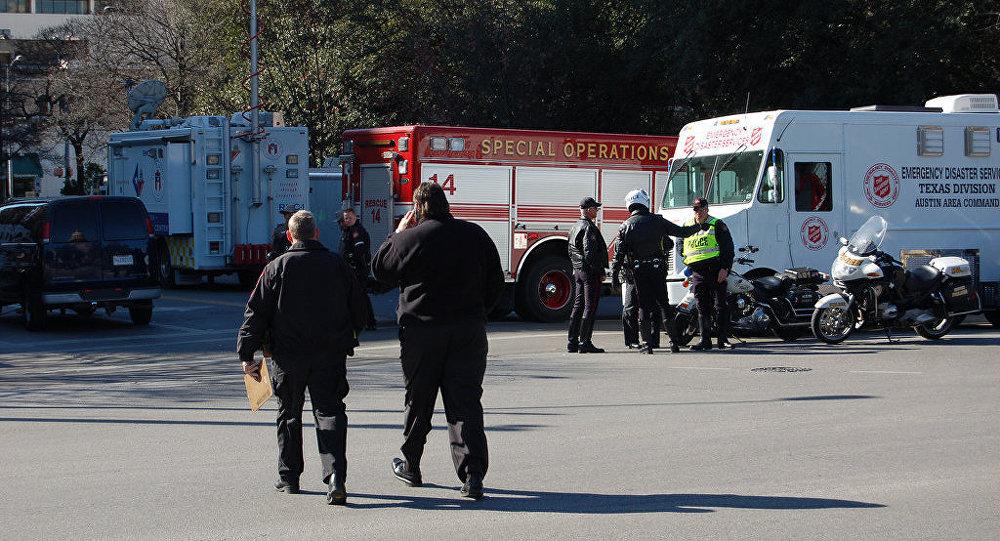 Пожарная машина и скорая помощь штата Техас