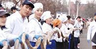 Как выглядит стометровая колбаса: рекорд в Кыргызстане