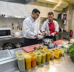 Рубрика : Журналист меняет профессию - повар