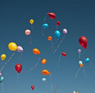 საჰაერო ბურთები ცაში