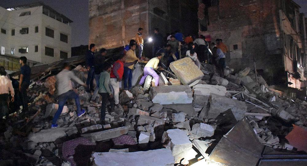 Гостиница обрушилась вИндии: 10 человек погибли, 20 находятся под завалами
