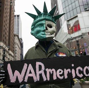 Акция протеста в США против ударов по Сирии